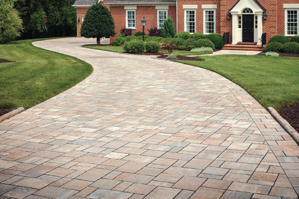 outdoor-creations-paver-driveway-photo