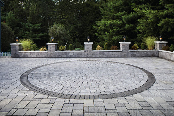 paved-courtyard-design-photo-outdoor-creations